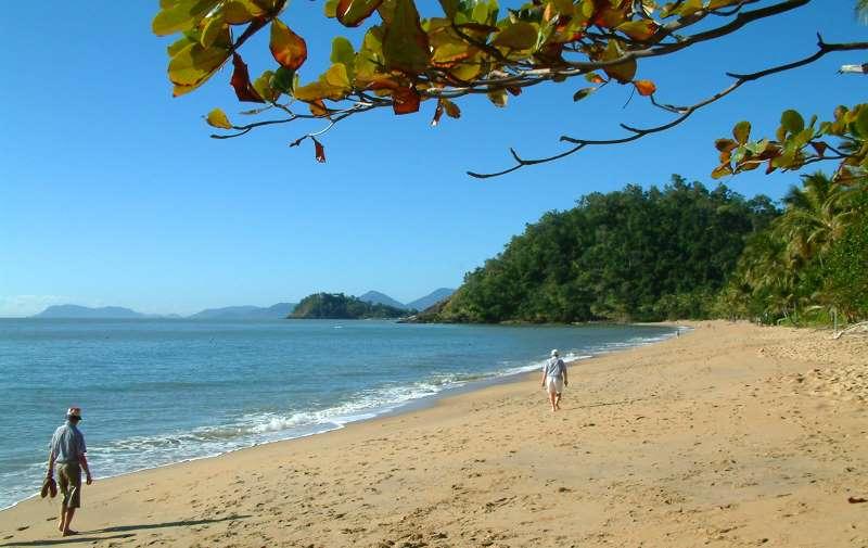 trinity_beach_01